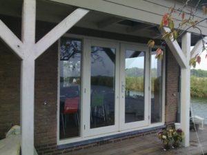 Kozijn met 2 deuren en zijglas